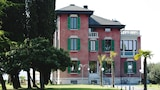 Choose This Cheap Hotel in Sirmione