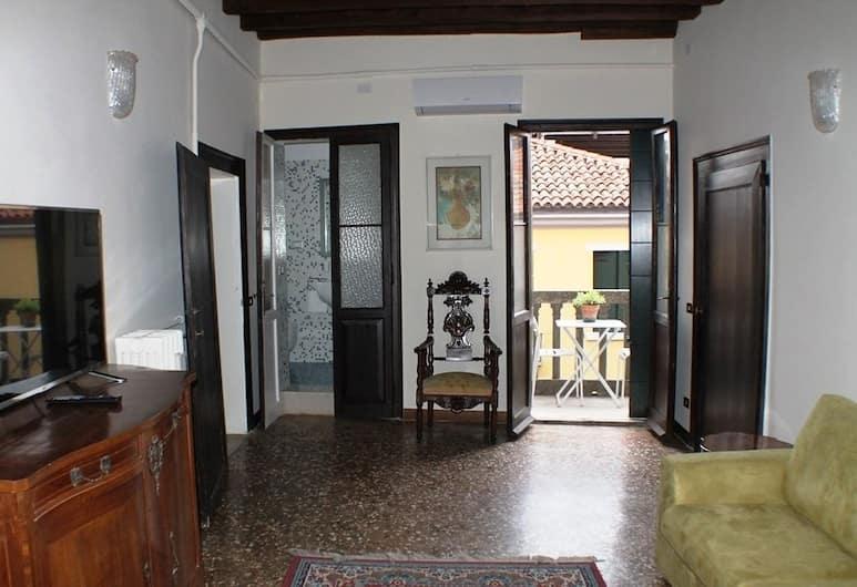 Biennale 252, Венеция, Апартаменты, 3 спальни, вид на город, Гостиная