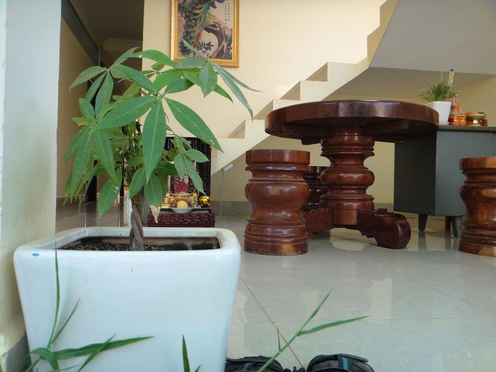 Piphub Thmey Guesthouse Kampot Reception