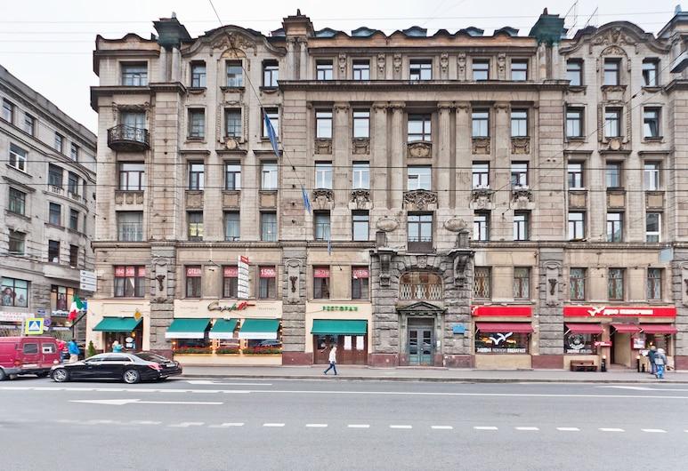 Apartments on Bolshoy Prospekt P.S., San Pietroburgo, Facciata della struttura