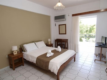 Picture of Kleopatra Traditional Hotel Apartments in West Mani