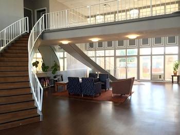 Picture of Bella Vista Inn & Suites in Grand Prairie