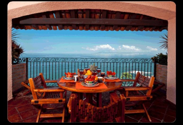 Villa Banderas 9 by RedAwning, Puerto Vallarta, Condo, 2 Bedrooms, Balcony, Ocean View (Villa Banderas 9), Balcony