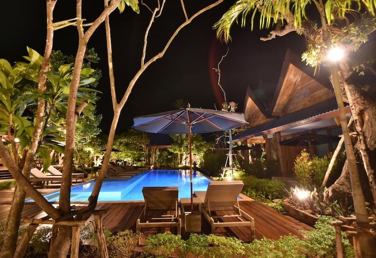 九提普塔拉克隆森度假村酒店, 喀比, 室外泳池