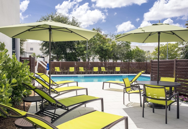 SpringHill Suites by Marriott Miami Doral, Doral, Εξωτερική πισίνα