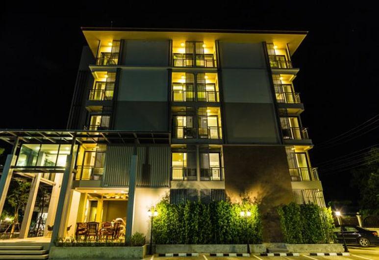 Qoo Hotel, Buriram, Hotellets front – kveld/natt