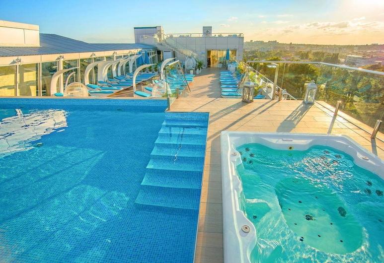 SPA HOTEL NEMO with dolphins, Kharkiv, Basen odkryty
