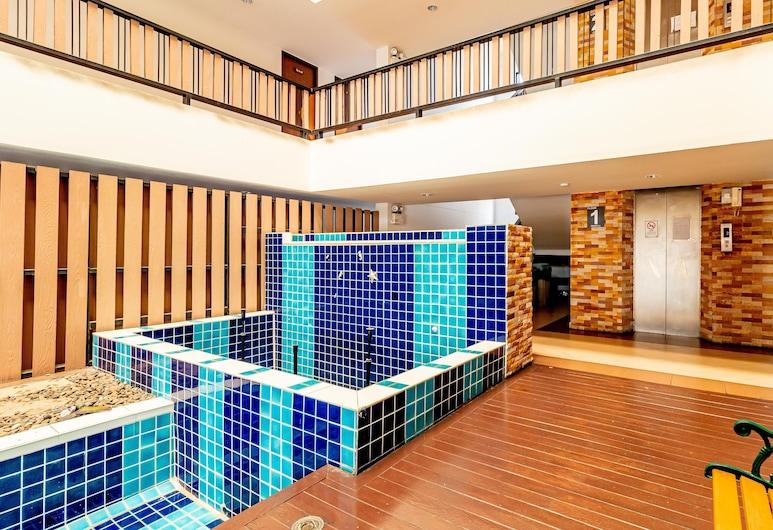 Grannylla Residence Charoenkrung, Bangkok, Indoor Pool