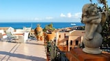 Choose this Apartment in Cefalu - Online Room Reservations