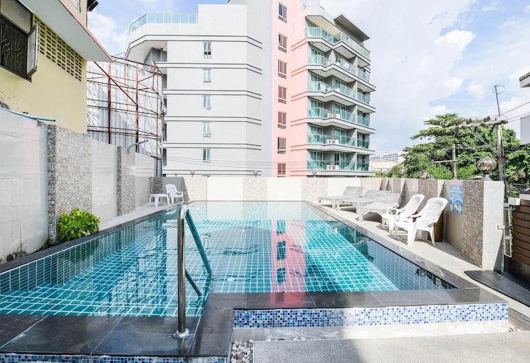 Tez Palace Hotel, Pattaya, Outdoor Pool