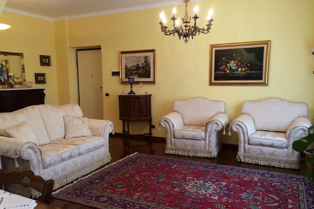 Апартаменты «Делюкс», 3 спальни, вид на море - Зона гостиной
