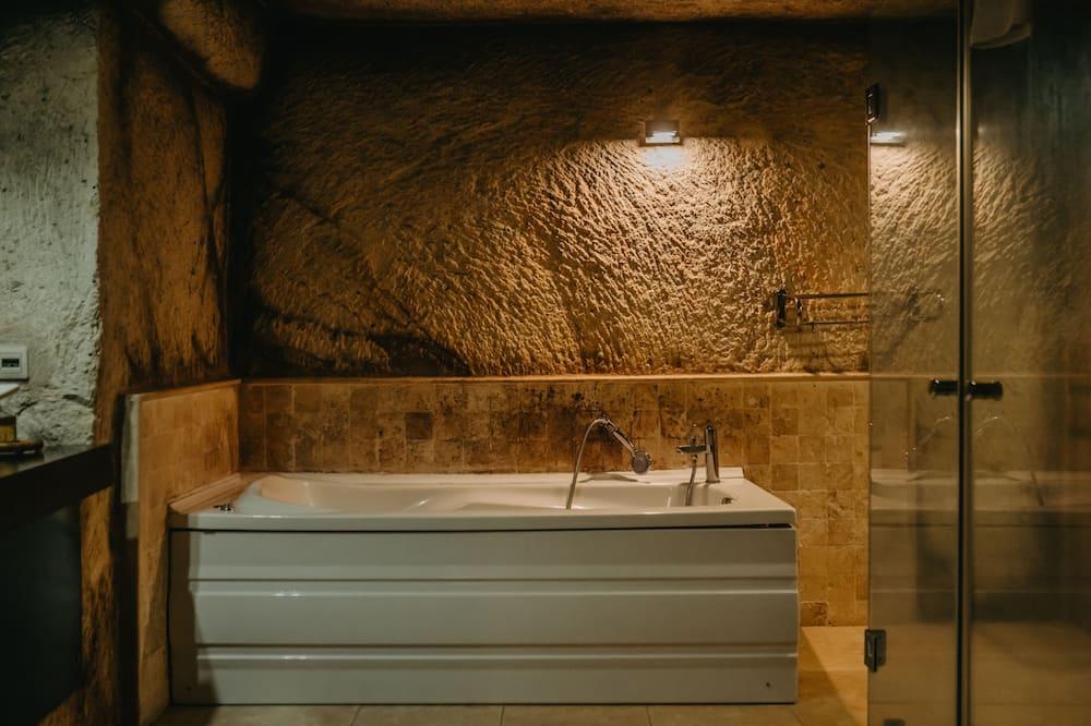 Deluxe Double Room (Deluxe Cave Room) - Bathroom