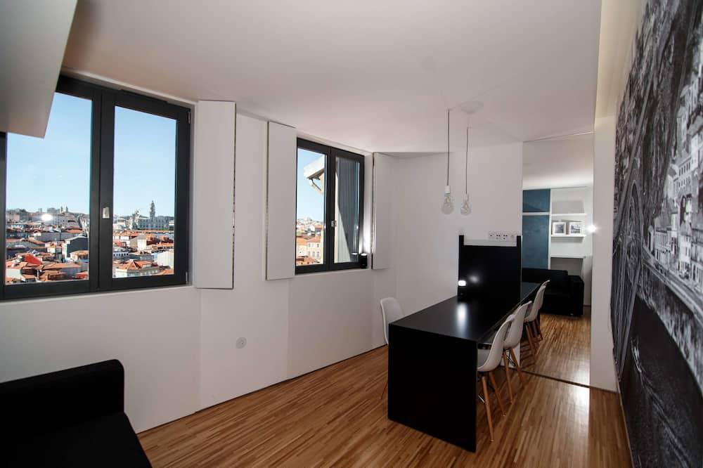 Panoramic Stüdyo, 1 Çift Kişilik Yatak, Mutfak, Şehir Manzaralı (Sé) - Oturma Alanı