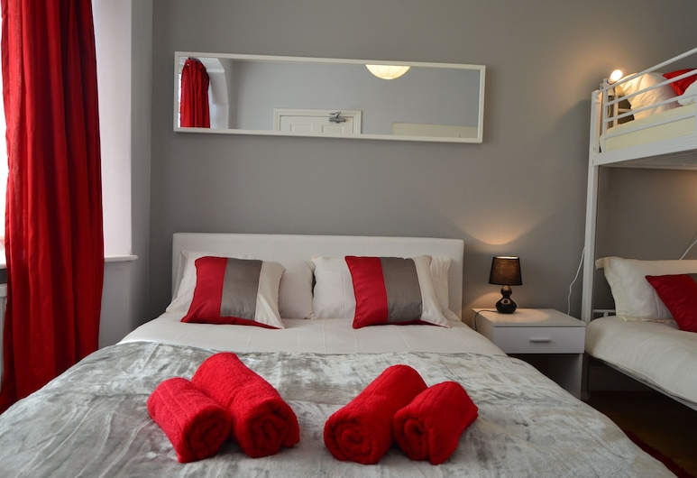 Old Trafford Guest House, Manchester, Quadruple Room, Guest Room