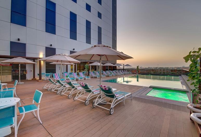 Premier Inn Dubai Ibn Battuta Mall, Dubai, Outdoor Pool
