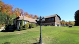 Reserve this hotel in Grenville-sur-la-Rouge, Quebec