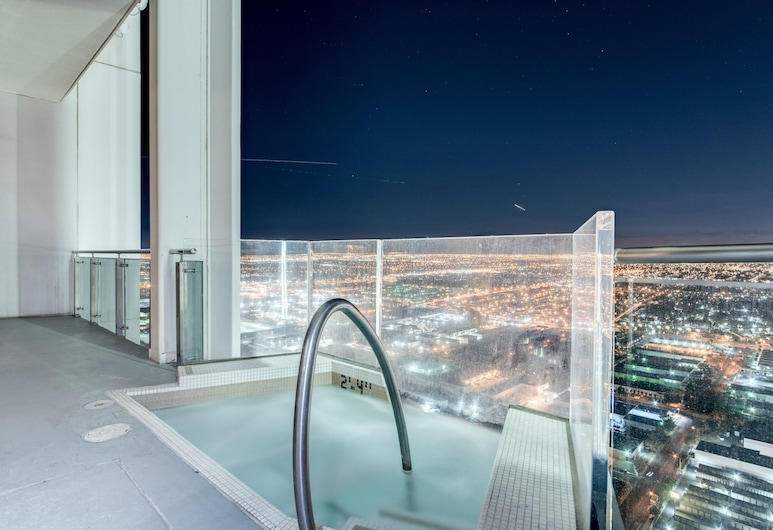 StripViewSuites at Palms Place, Las Vegas, One-Bedroom Penthouse with Private Jacuzzi, Terraza o patio