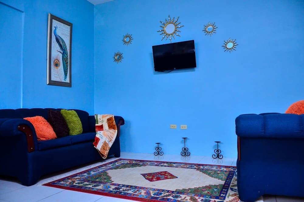 Ekskluzīvs dzīvokļnumurs, viena guļamistaba, virtuve, skats uz kalniem - Dzīvojamā istaba