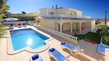 Choose this Villa in Carvoeiro - Online Room Reservations