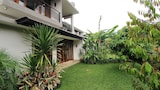 Choose this Villa in Bandung - Online Room Reservations