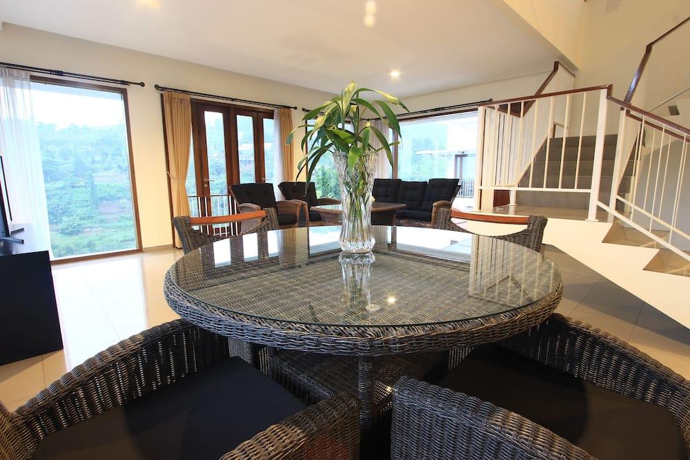 Villa, 5 Bedrooms - Lobby
