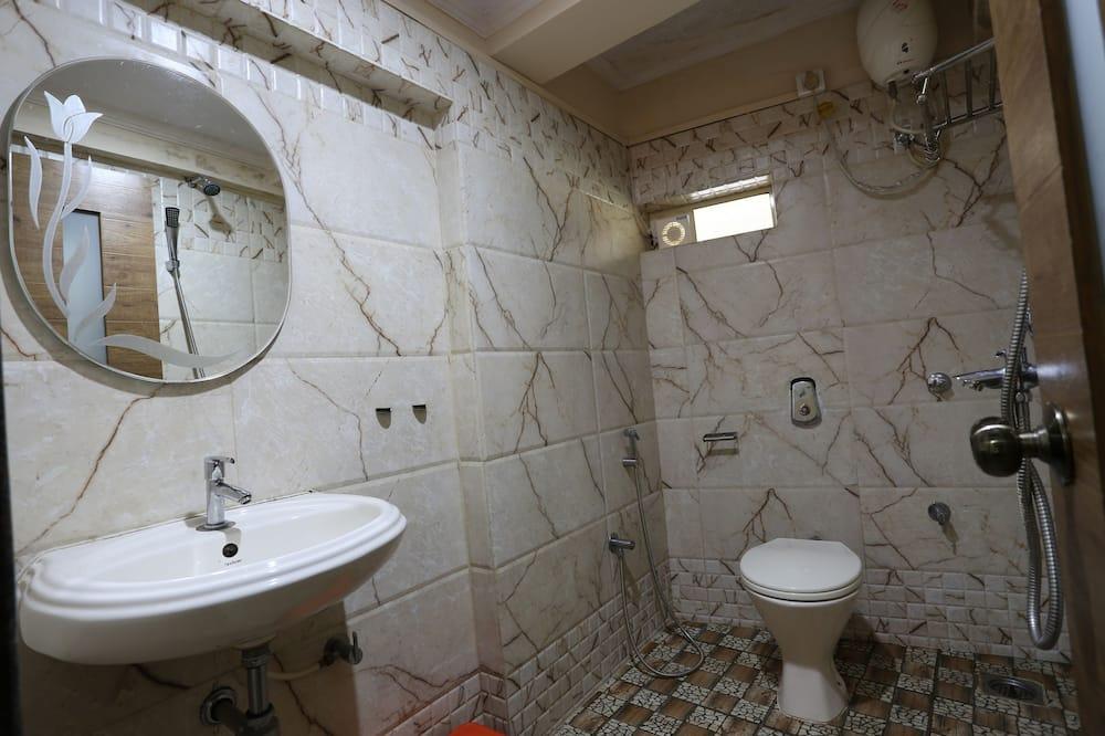 Deluxe Non A/C Room - Bathroom