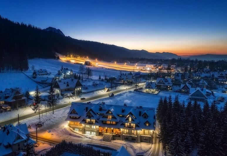 Gold Hotel, Zakopane, Fasada hotelu — wieczorem/nocą