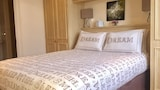 Choose this Apartment in Brighton - Online Room Reservations