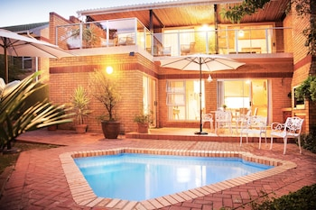 Picture of Feather Nest Guest House in Oudtshoorn