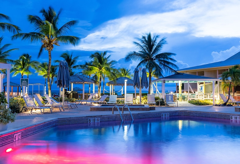 Grand Caymanian Resort, Crystal Harbour, Alberca al aire libre