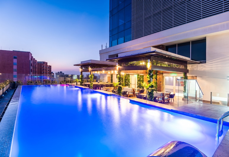 Crowne Plaza Barranquilla, an IHG Hotel, Barranquilla, Piscina