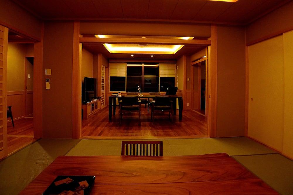 Suite (Japanese Western, Open Air Bath) - Coin séjour