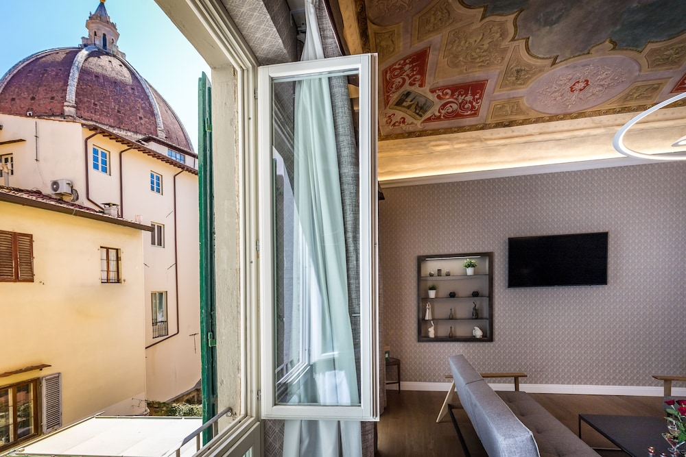 Martelli 6 Suites And Apartments, Florence