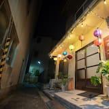 Shared Dormitory, Mixed Dorm, Non Smoking (8 Beds) - Lanai