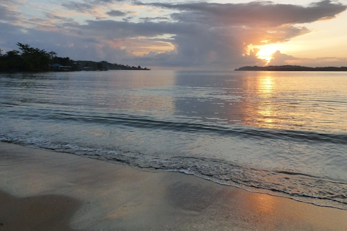 桑德多勒海灘民宿/