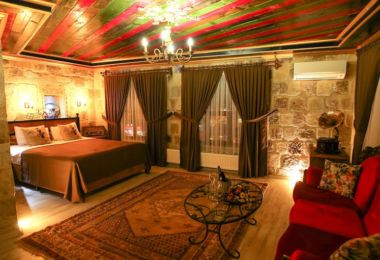 Bedrock Cave Hotel -Adults Only, Невшегір, 111 King Suite, Номер