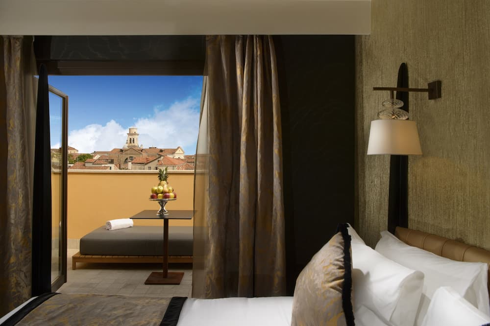 Panoramic Suite, Terrace (Jacuzzi) - Guest Room