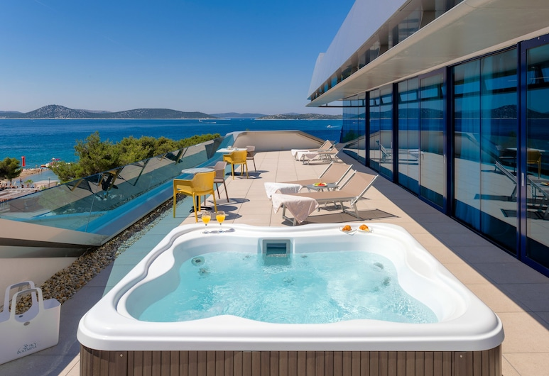 Hotel Olympia Sky, Vodice, ห้องแกรนด์สวีท, 2 ห้องนอน, อ่างน้ำร้อน, วิวทะเล, ระเบียง