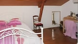 Reserve this hotel in Monsempron-Libos, France