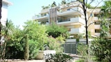 Choose this Apartment in Saint-Raphael - Online Room Reservations