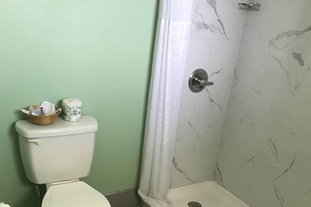 חדר דה-לוקס זוגי, 2 מיטות קווין - חדר רחצה