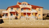 Picture of Idyllic apartment by the sea in Novalja