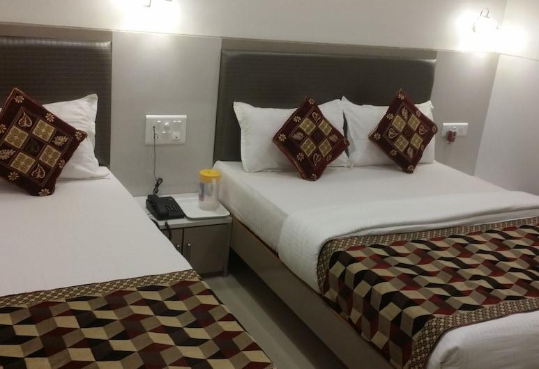 KF Residency, Mumbai, Deluxe Triple Room, Guest Room
