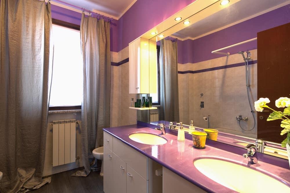 Neljatuba, omaette vannitoaga (external) - Vannituba