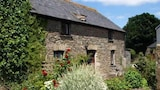 Reserve this hotel in Looe, United Kingdom