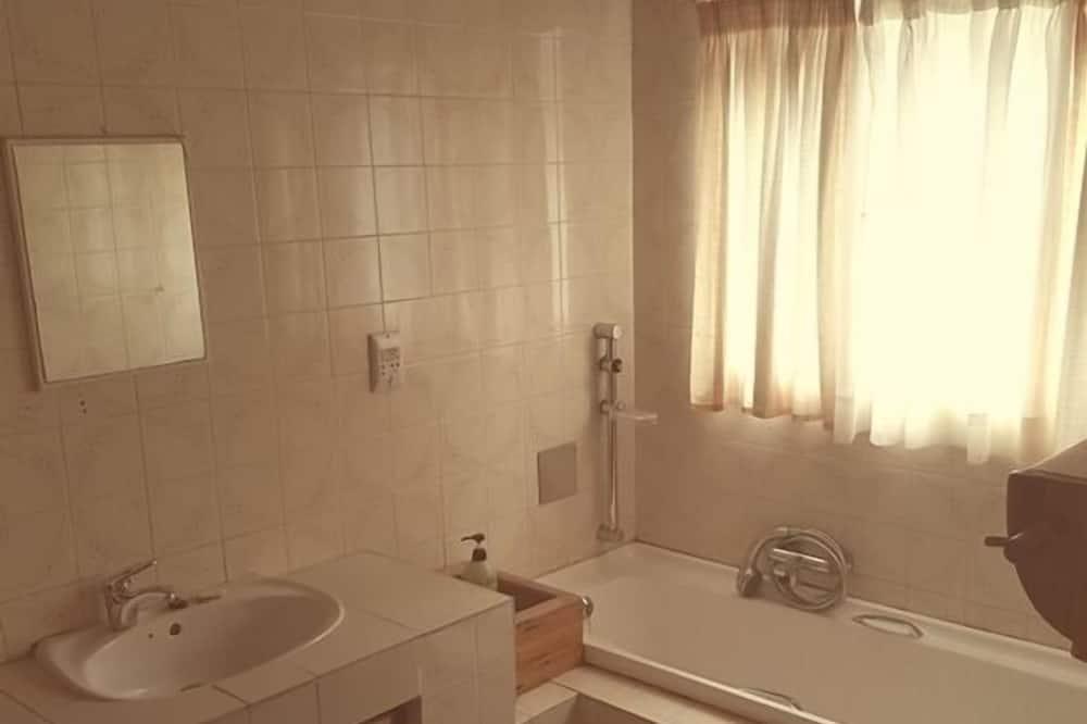 Triple Room (Around the Corner) - Bathroom