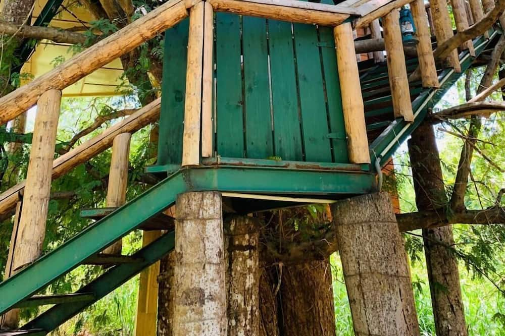 Deluxe Tree House - Garden View