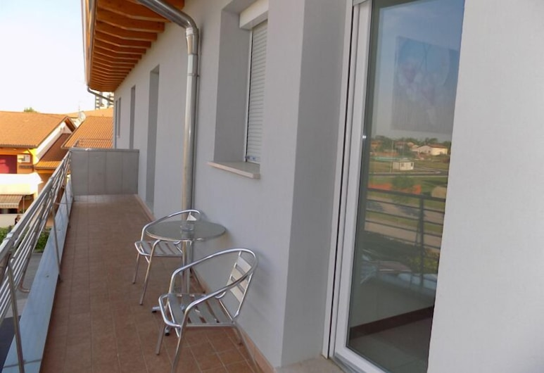 Hotel Residence Sole, Fontanafredda, Studio, Terrace/Patio