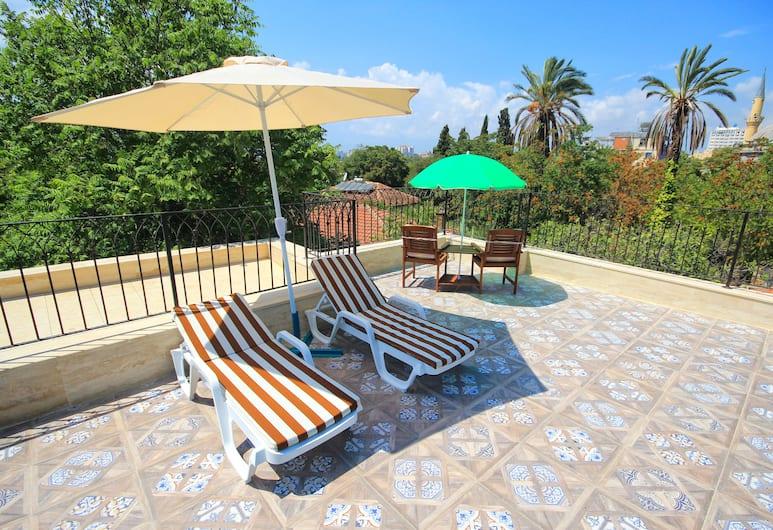 Delight Deluxe Aparts, Antalya, Teras/Veranda