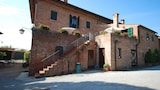 Choose This Cheap Hotel in Montepulciano